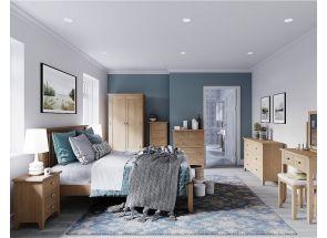 GAO Oak Bedroom