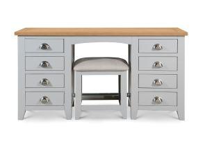 Richmond Pedestal Table & Stool